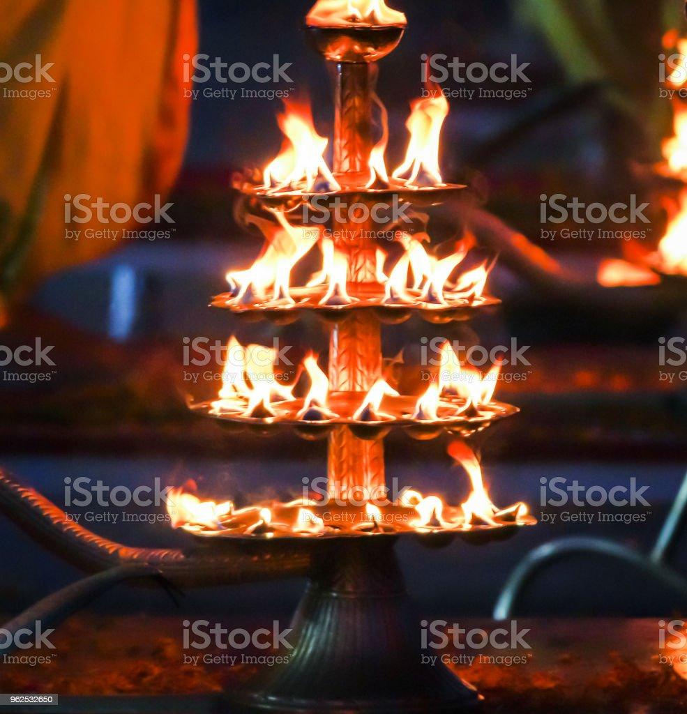 oração lâmpadas Índia Rishikesh ganges oferecendo orações - Foto de stock de Aarti - Rezar royalty-free
