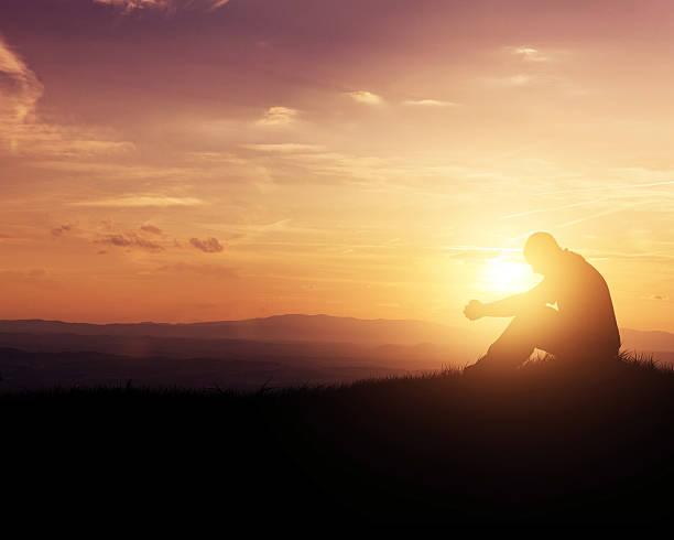 praying at sunrise - prayer 個照片及圖片檔
