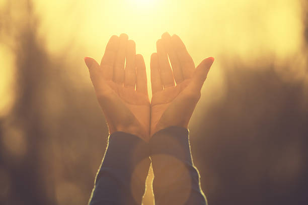Versiculos De La Biblia De Animo: Top 60 Praying Stock Photos, Pictures, And Images