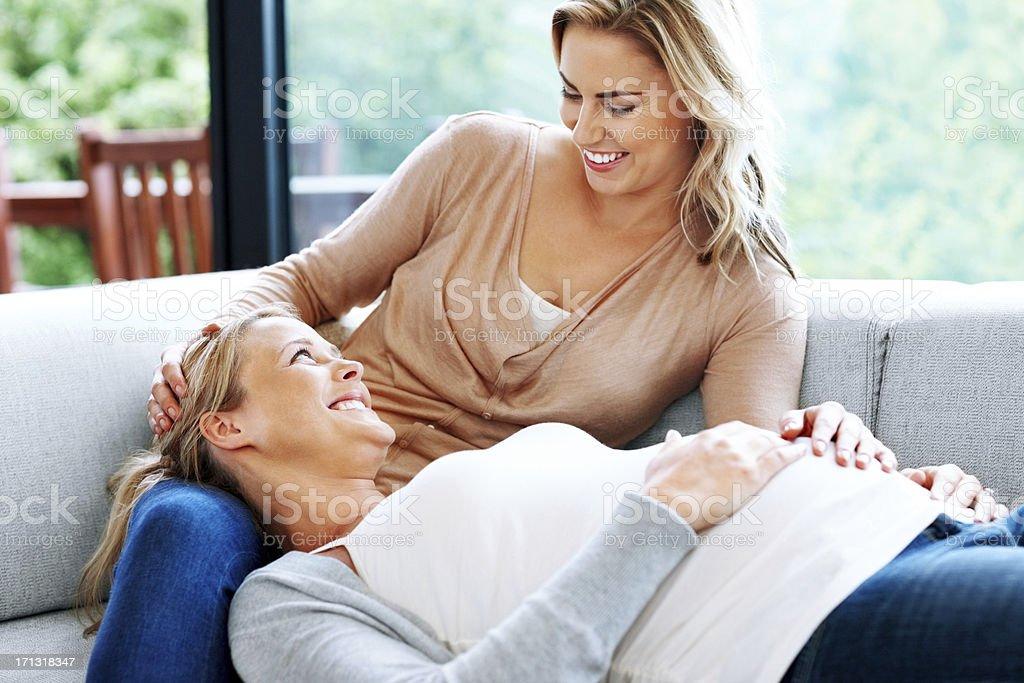 schwangere lesbische Bilder