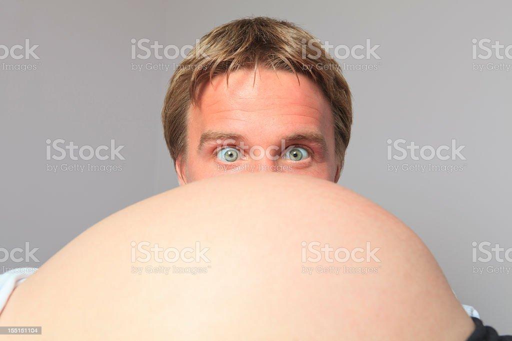 Mujer embarazada bebé habitación de ojo grande - foto de stock