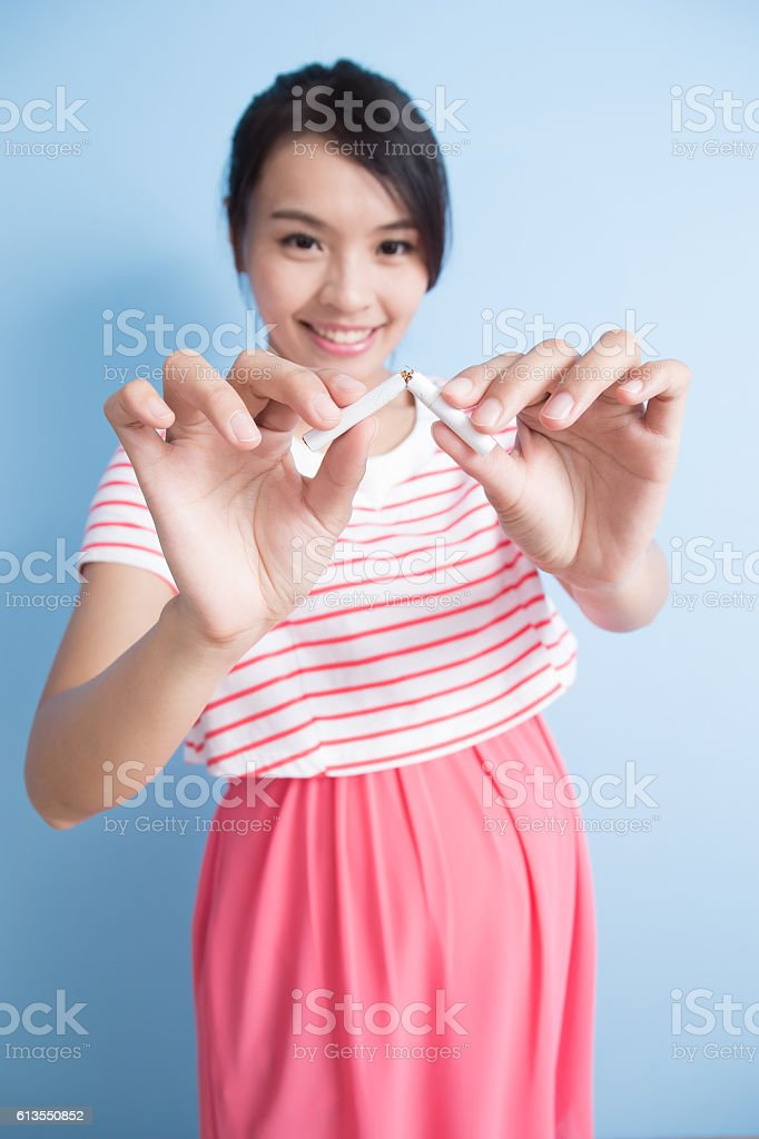 pregnant woman quit smoking stock photo