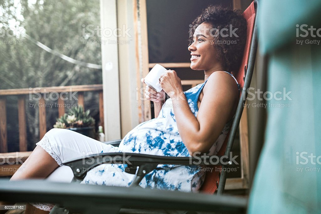 Pregnant Woman Relaxing With Tea – Foto