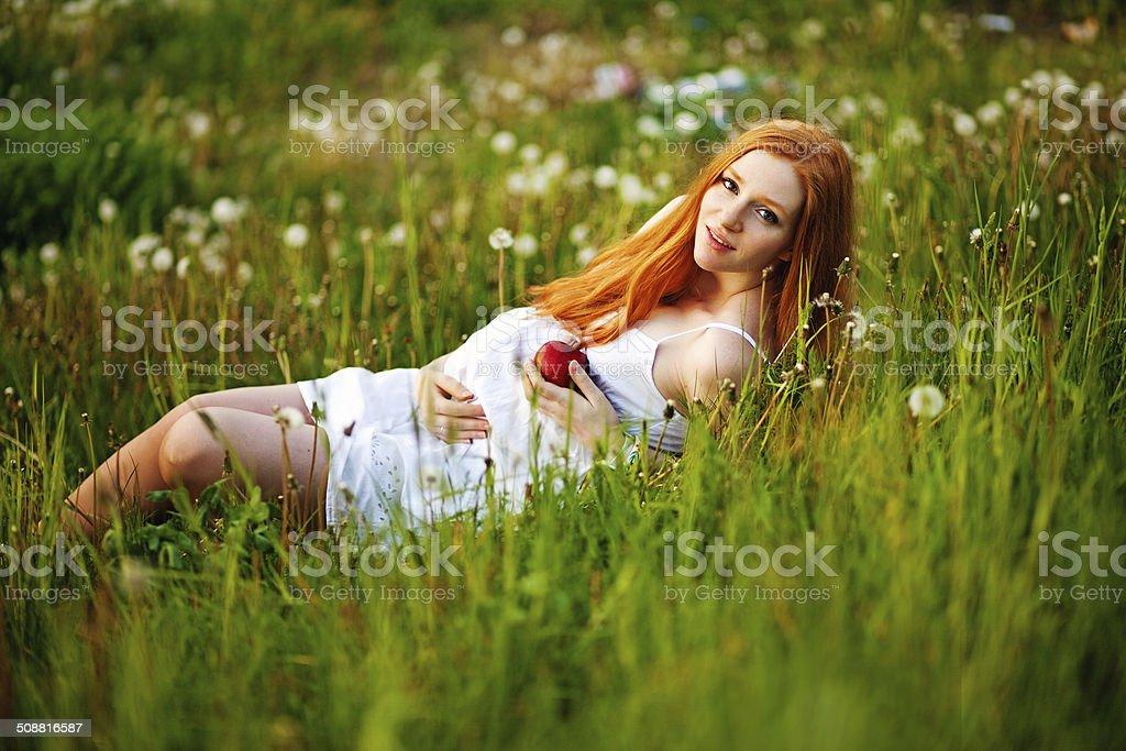 Mujeres Embarazadas Y La Naturaleza Foto De Stock Y Mas Banco De