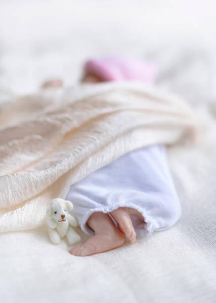 frühgeborene - wiedergeborene babys stock-fotos und bilder