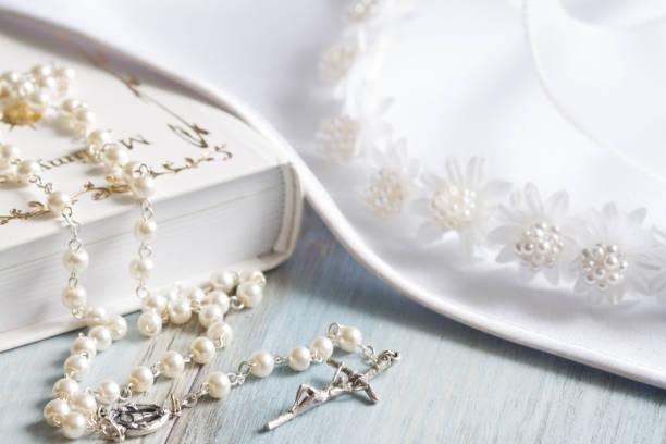 preparation for the first holly communion - taufe texte stock-fotos und bilder