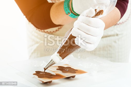 istock Preparation of chocolate sweets 871450948