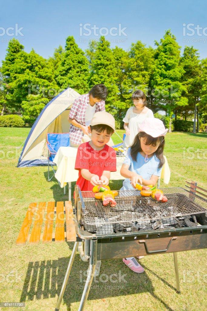 準備為家庭燒烤 免版稅 stock photo