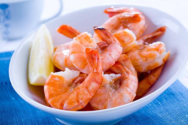prepared shrimp - warm bereid stockfoto's en -beelden