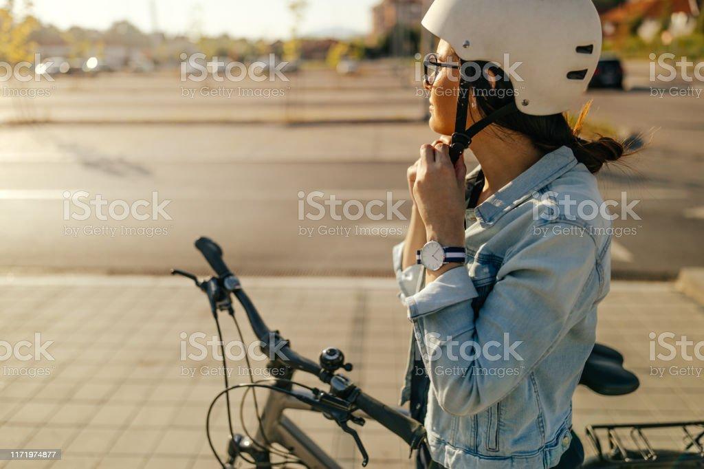Vorbereitung auf die Radtour - Lizenzfrei Abenteuer Stock-Foto