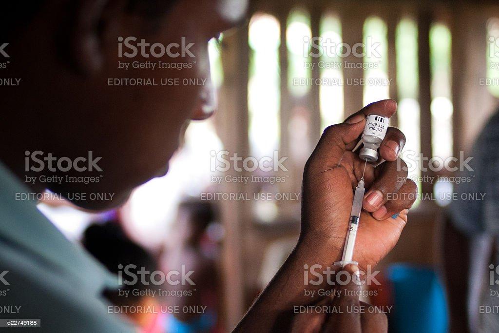 Preparación para la vacunación - foto de stock