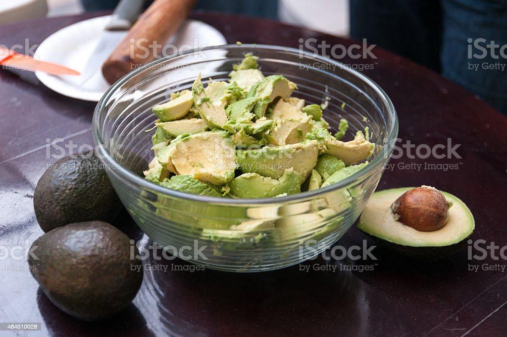 Preparação de guacamole - foto de acervo