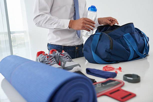 Preparação bolsa de academia - foto de acervo