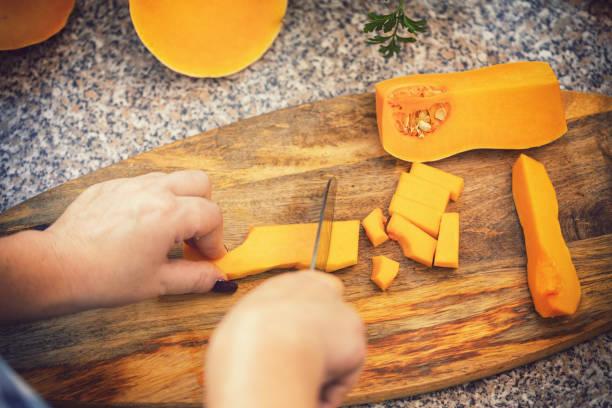 Vorbereitung zu Hause Kürbissuppe – Foto