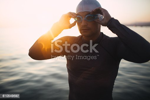 610548820 istock photo Preparing to dive in 610549592