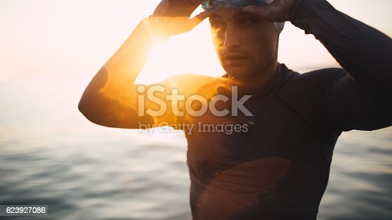 610548820 istock photo Preparing to dive in 623927086