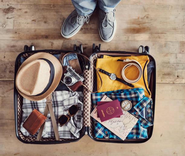 Vorbereitung der Reise Koffer erhöhte Ansicht – Foto