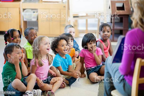 Photo libre de droit de Préscolaire Enfants banque d'images et plus d'images libres de droit de 4-5 ans