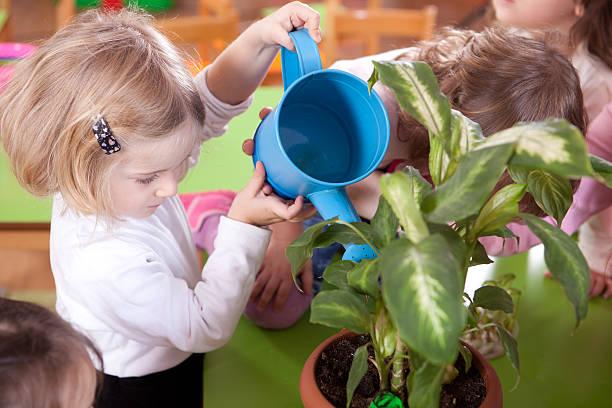 Preschoolers und Lehrer – Foto