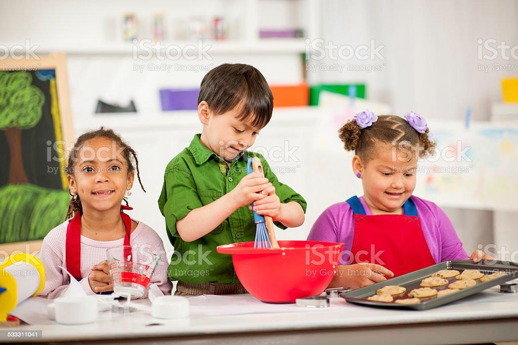 Preschoolers spielen – Foto