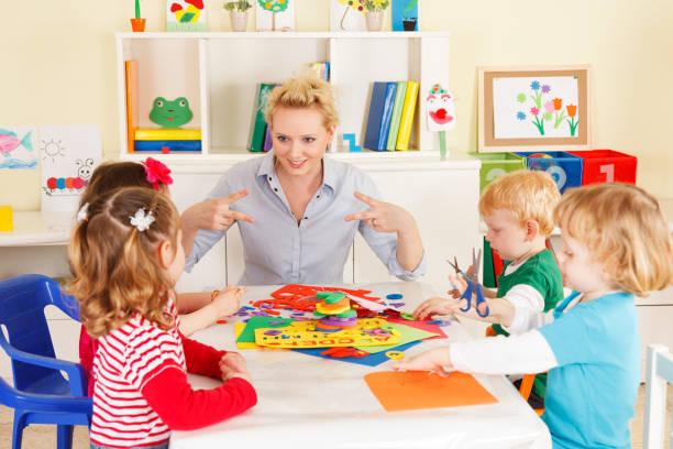 Preschoolers with the teacher – Foto