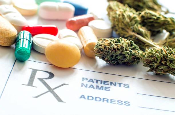 prescription pills with medical cannabis and prescription paper - narcótico imagens e fotografias de stock