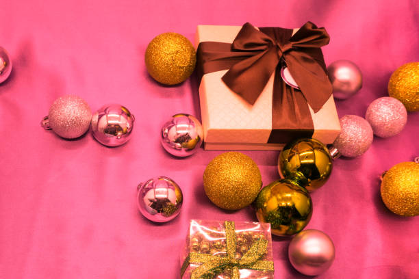 Cтоковое фото Present box with Christmas balls and snow