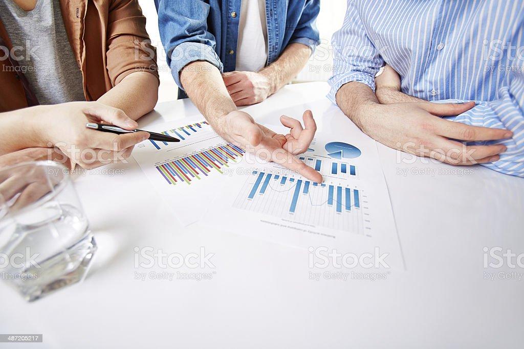 Präsentieren Bericht Lizenzfreies stock-foto