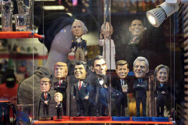 usa president dolls with different characters - trump foto e immagini stock
