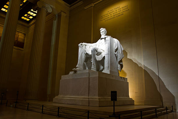 il presidente lincoln memorial, washington dc a notte - ivº secolo d.c foto e immagini stock