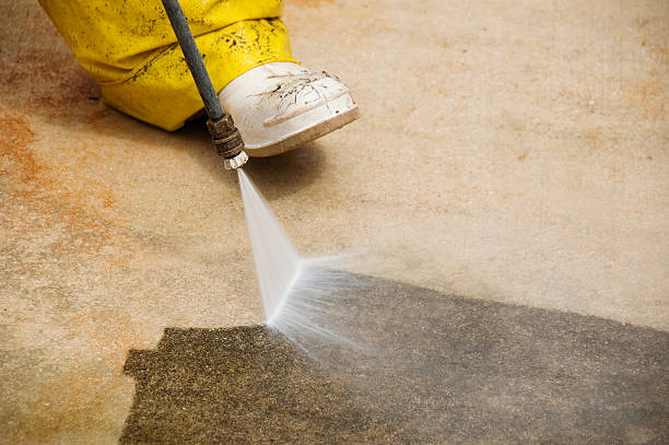 pressure cleaning - high pressure cleaning stock photos and pictures