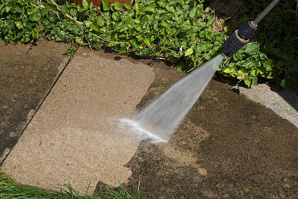 pressure washer cleaning - high pressure cleaning stock photos and pictures