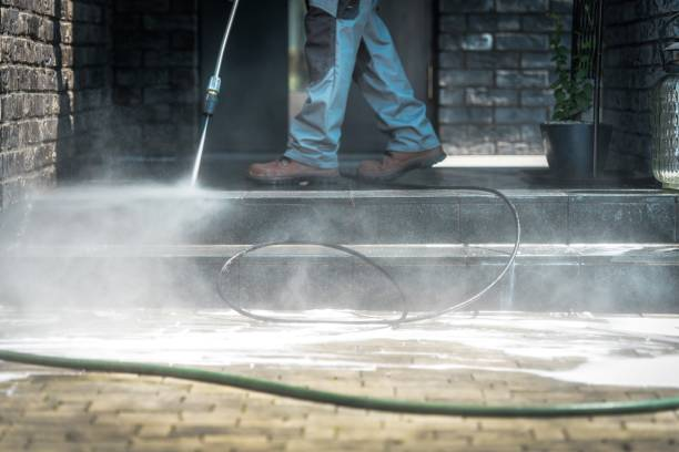pressure washer cleaning time - high pressure cleaning stock photos and pictures