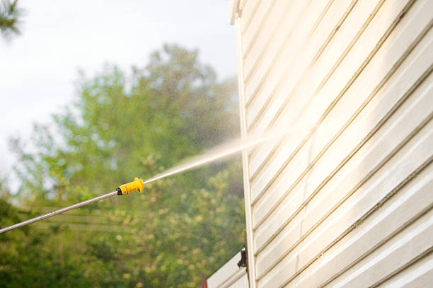 pressure washing the house side - high pressure cleaning stock photos and pictures