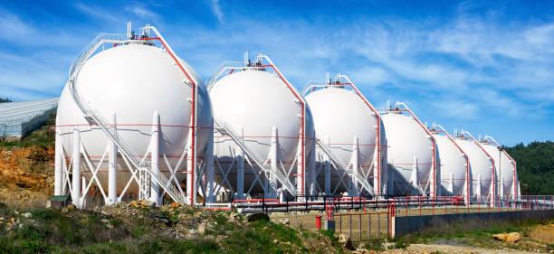 gas-tanks - benzintank stock-fotos und bilder