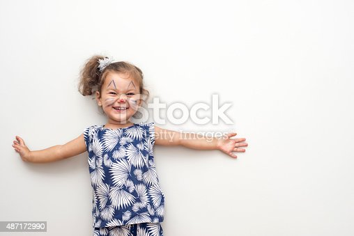 istock Pretty Cat Girl 487172990