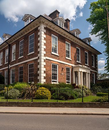 Mooi Georgiaans Huis Of Appartement Vakantiehuizen Met Privé Zwembad In Shrewsbury Stockfoto en meer beelden van Antiek - Toestand