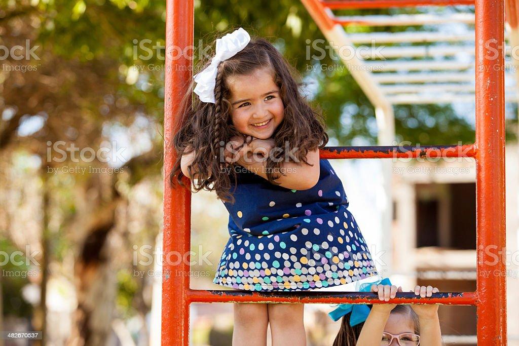 Обзор игрушек озорные девчонки в парке, типы свадеб видео смотреть