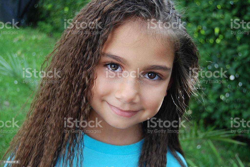 dark brown hair brown eyes girl