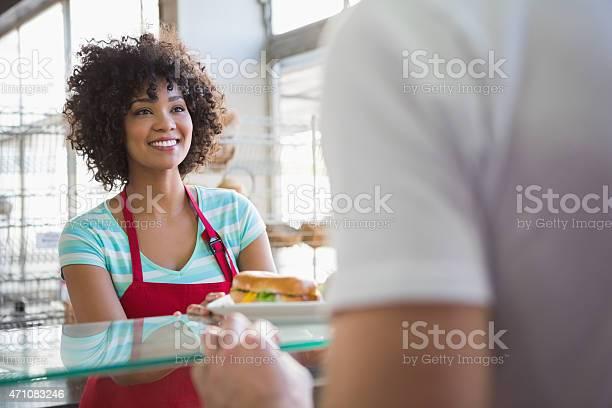 Pretty waitress giving sandwich to customer picture id471083246?b=1&k=6&m=471083246&s=612x612&h=zyfwb3 i09jnmhx3hguxawrikhk6bpmaclpwilpdhtq=