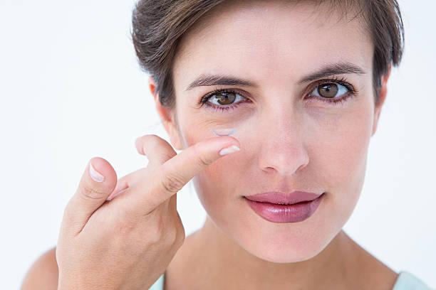 Pretty woman applying contact lens picture id484977372?b=1&k=6&m=484977372&s=612x612&w=0&h=hpvwho6zbkrfcebpsz vncvteurg3kkb8lx5z9prscu=