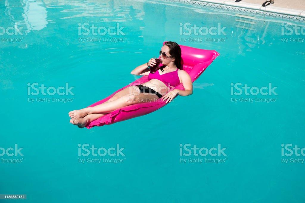 Black Having Bikini Cocktail Woman Pretty An In Pink A And wmN08n