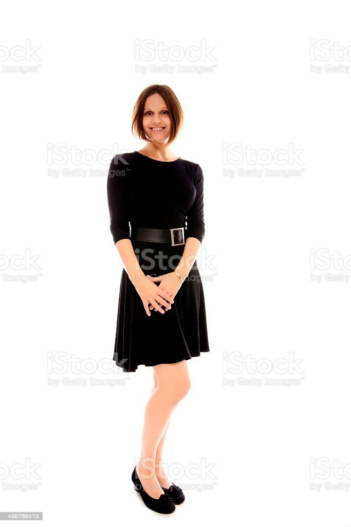 Una mujer con vestido negro