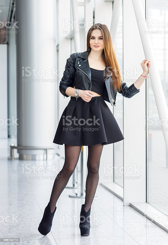 Pretty woman in fashion style – Foto