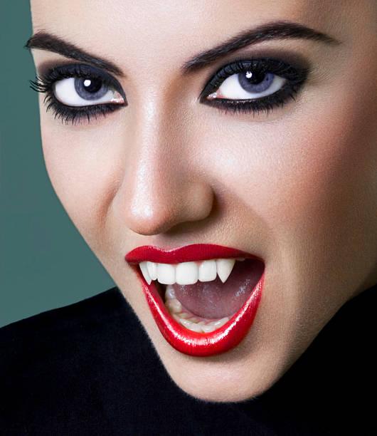 vampir - vampir schminken frau stock-fotos und bilder