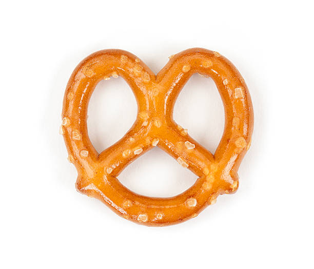pretzel isolated on white - 椒鹽蝴蝶圈 個照片及圖片檔