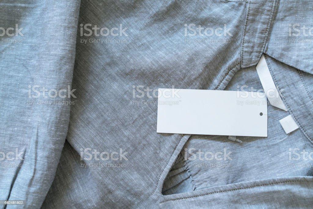etiquetas en la camisa foto de stock libre de derechos