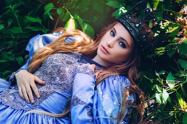 princess in magic forest - prinzessinnenstil stock-fotos und bilder