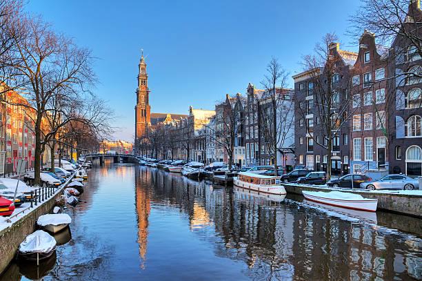 prinsengracht winter - westerkerk stockfoto's en -beelden