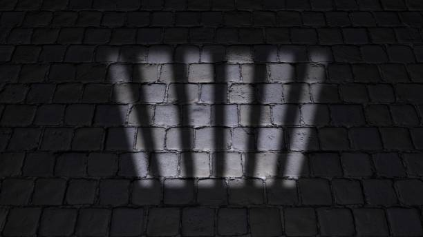 Gefängniszelle, in einer Gefängniszelle. Schatten auf dem Boden, Fenster projiziert – Foto
